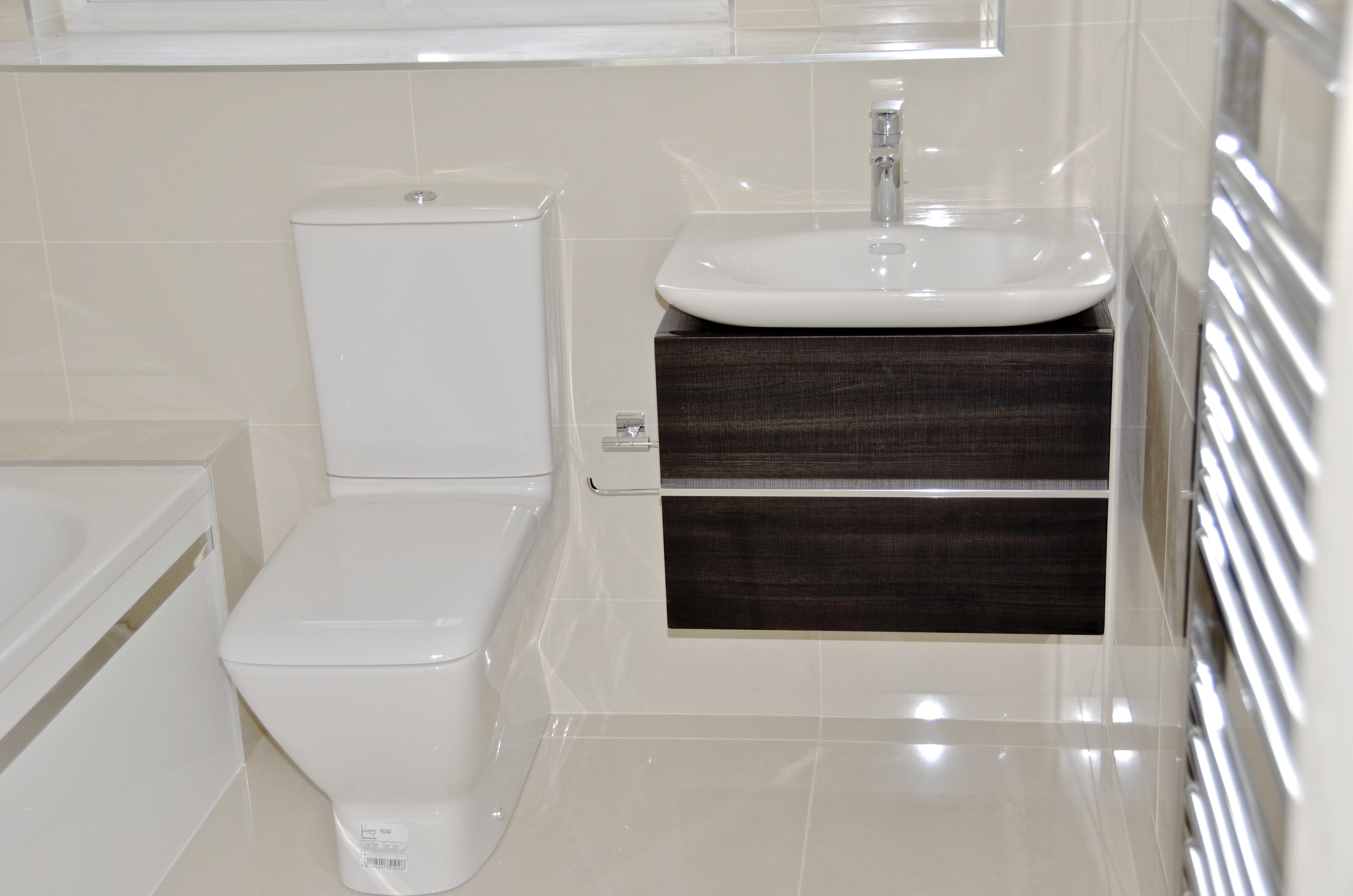 Fully Tiled Bathroom Fully Tiled Bathrooms Bathroom Design Ideas